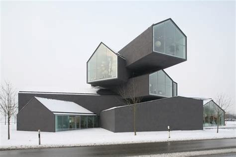 Spatial sculpture or furniture market? The VitraHaus plays